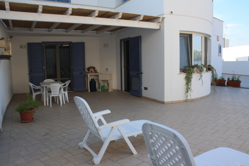 S.M. LEUCA APPARTAMENTO TRANQUILLO E SPAZIOSO, holiday rental in Castrignano del Capo