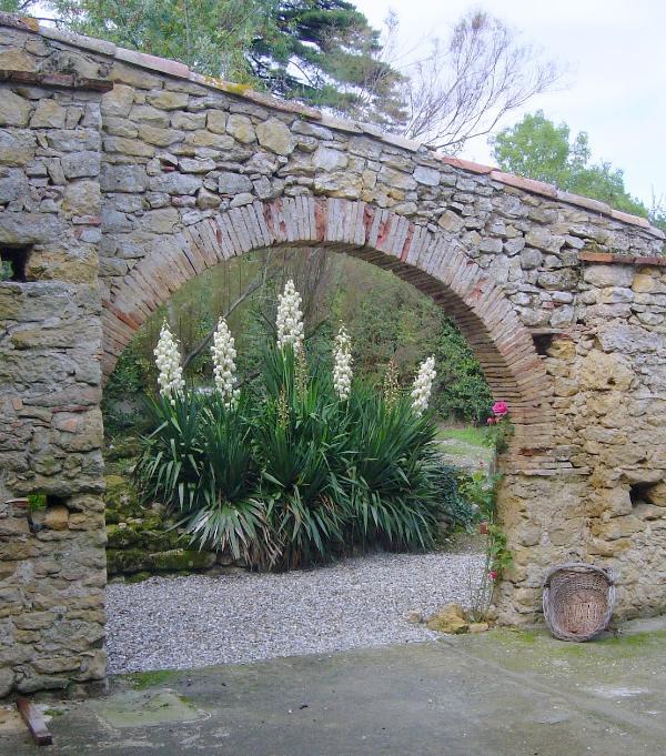 Parte del giardino del cottage a Bordebasse