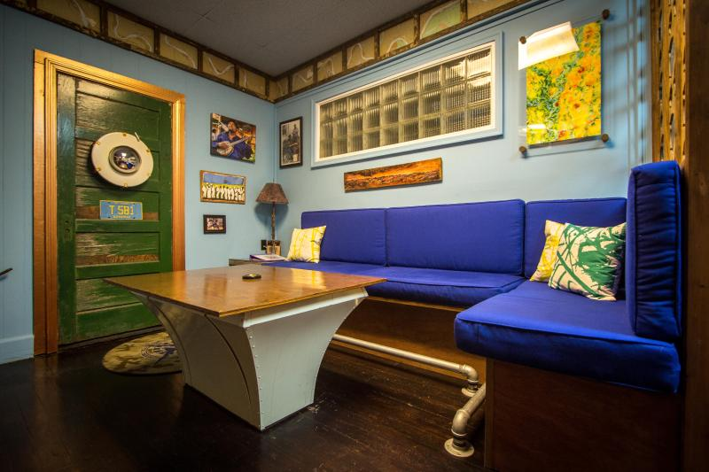 'Get Your Blues On' At The Squeeze Box, holiday rental in Clarksdale