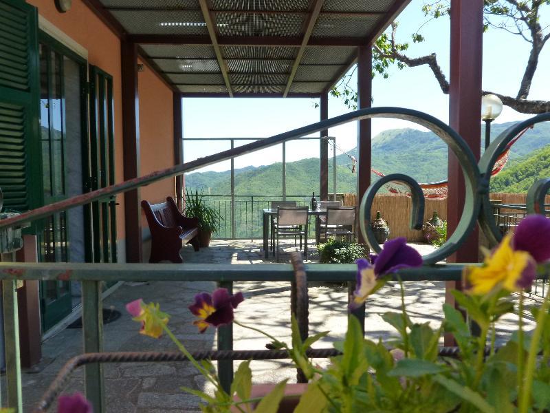 eine geräumige Terrasse