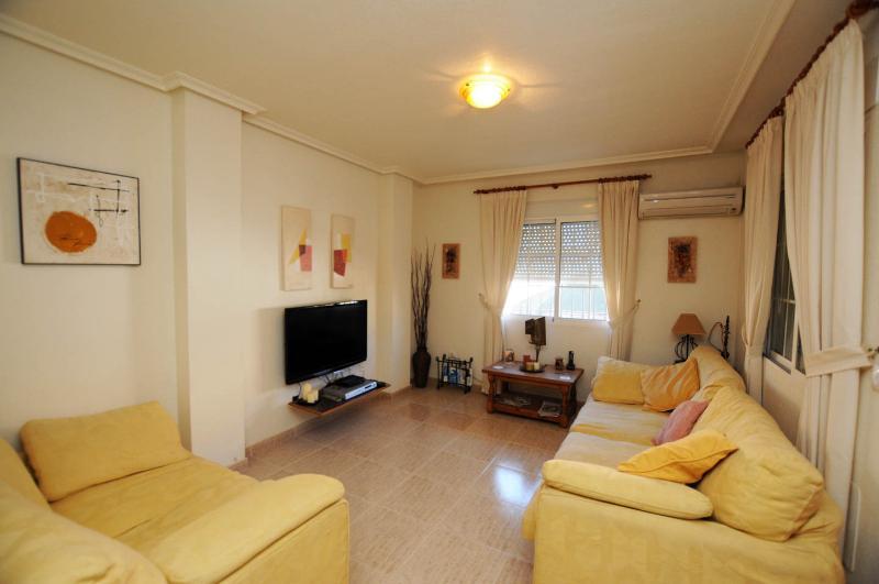 Salon spacieux avec Internet, pour la famille Living!
