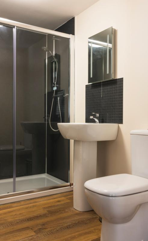 Oversized shower cubicle