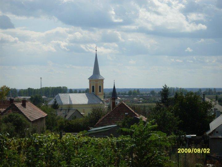 Legyesbénye village