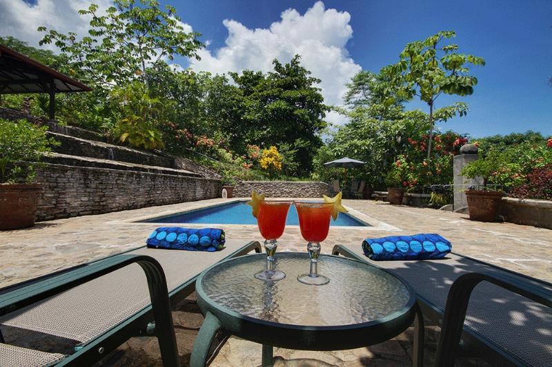Propiedad de lujo cerca de la playa, aluguéis de temporada em Tarcoles