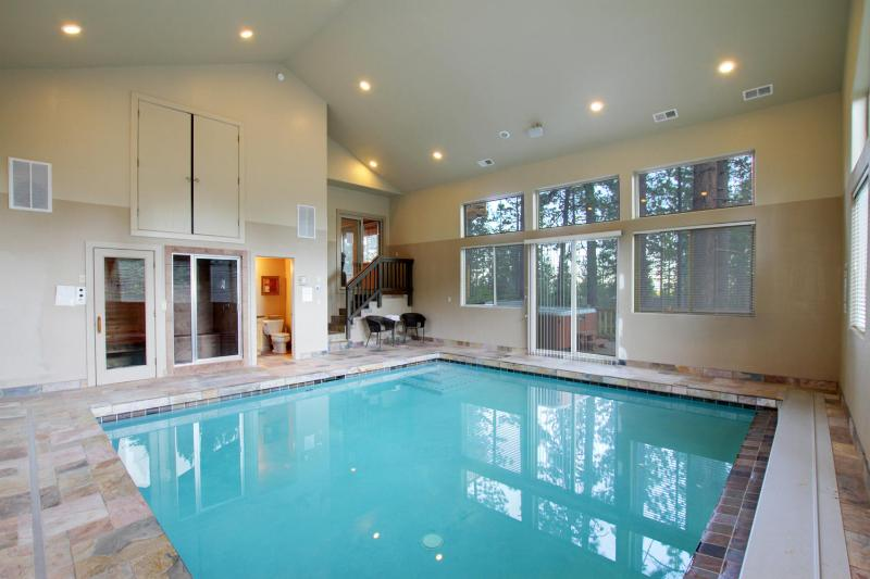 Heavenly, Pool, Big Screen, Hot Tub/Sauna/Steam Rm, vacation rental in South Lake Tahoe