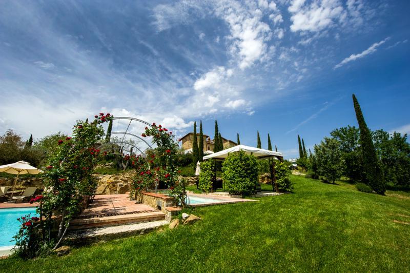 Casa Cornacchi pool area