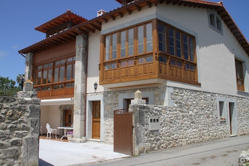 Los Chinijos I apartamento rutal entre el mar y la montaña, holiday rental in Nueva de Llanes