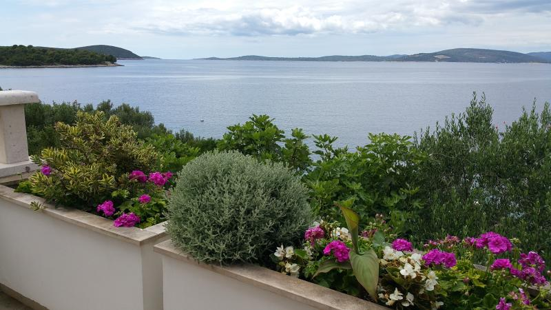 Apartment by the sea Villa Peggy, holiday rental in Solta Island