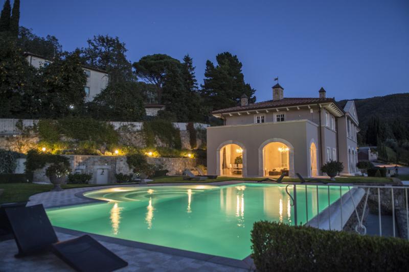 villa notturna