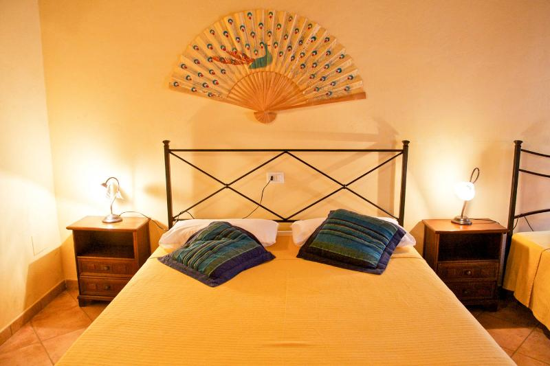 Bed and Breakfast Le Tre Perle Near Siena, holiday rental in Montecchio