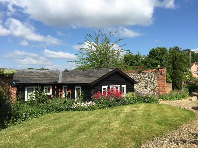 Old Piggery  *****  5 Star Self Catering Cottage, location de vacances à Bury St. Edmunds