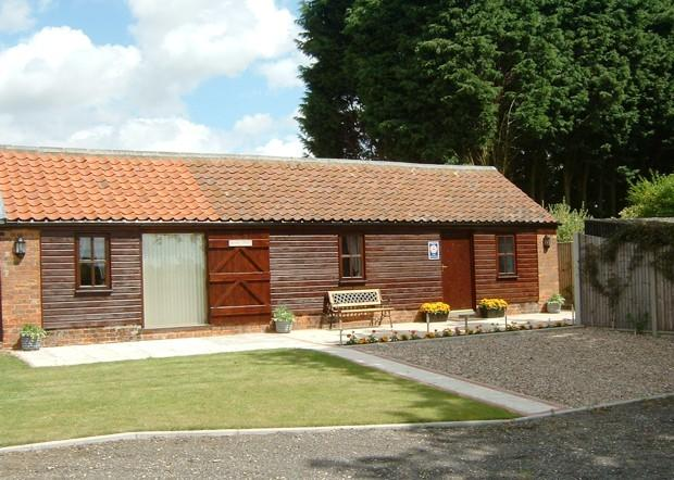 Oak Tree Cottage Hundleby Spilsby Lincolnshire, holiday rental in Raithby