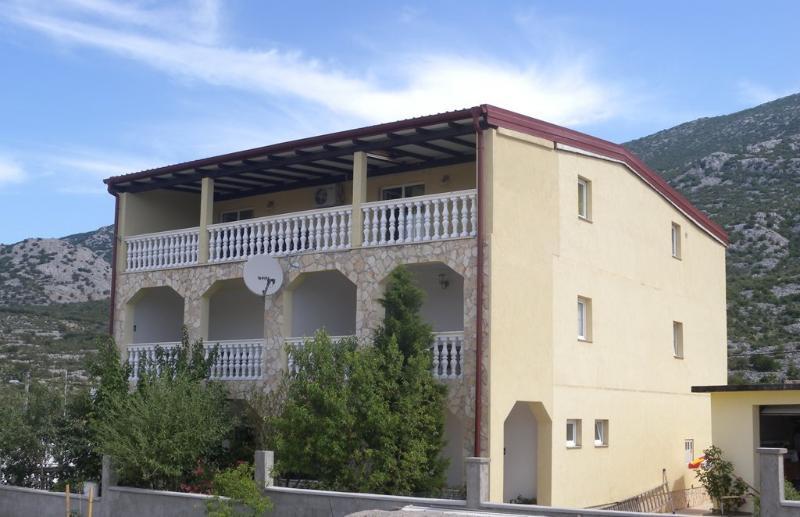 Apartmani Gabi 1, alquiler de vacaciones en Karlobag