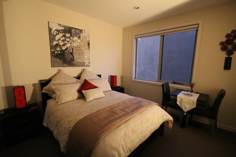 Luxury Room 1 - The Esplanade Bed & Breakfast, holiday rental in Mt Eliza