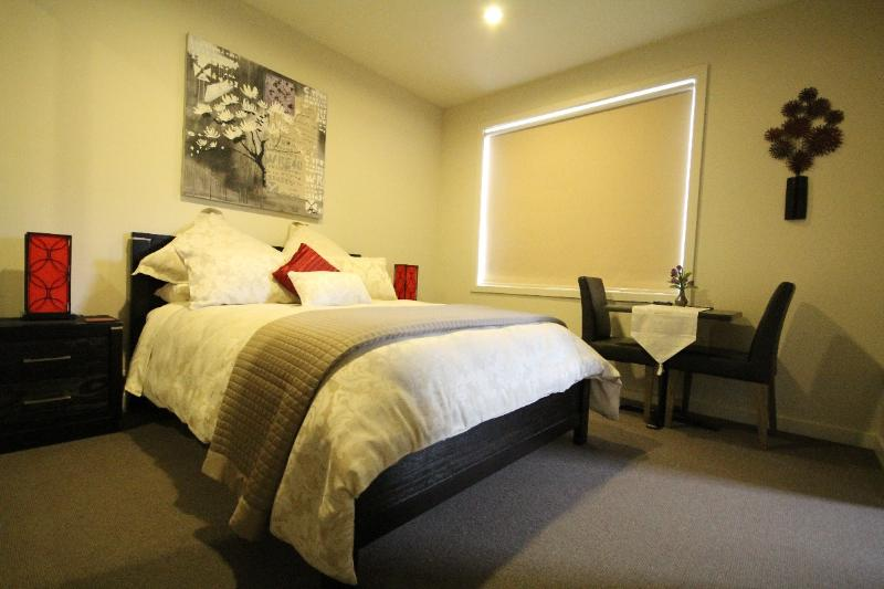 Luxury Room 2 - The Esplanade Bed & Breakfast, alquiler de vacaciones en Seaford