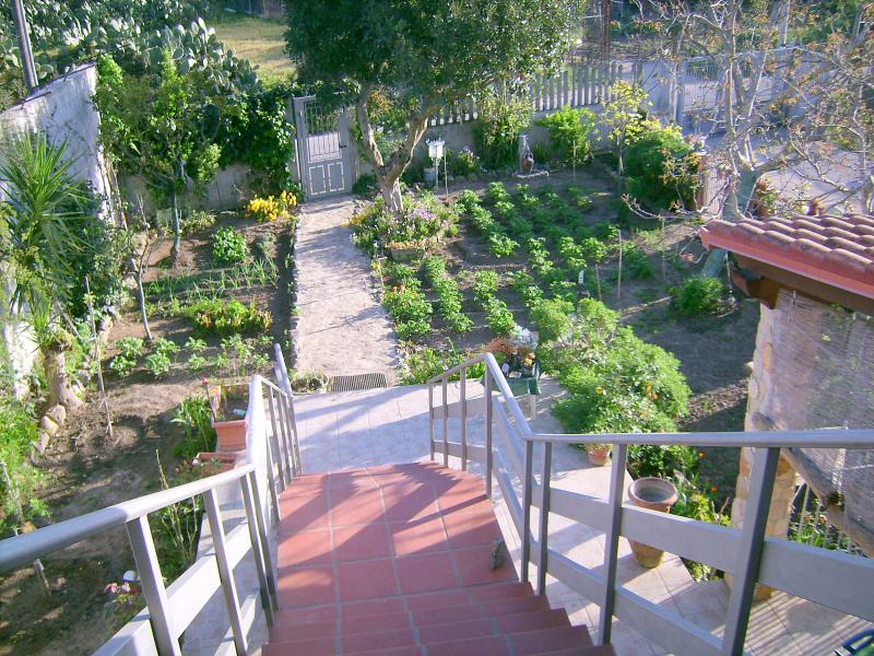 B&B Alba Fiorita!!, vacation rental in Dolianova