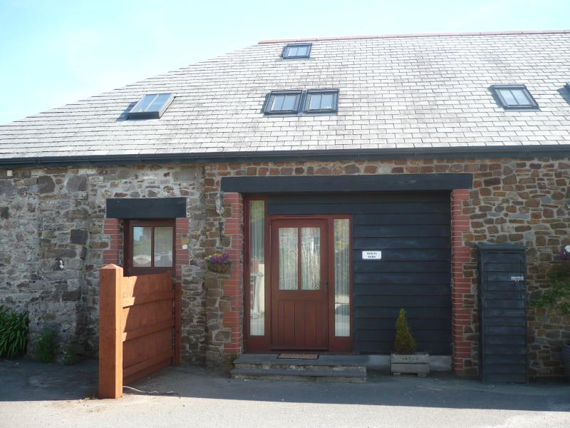 Swifts Barn Front