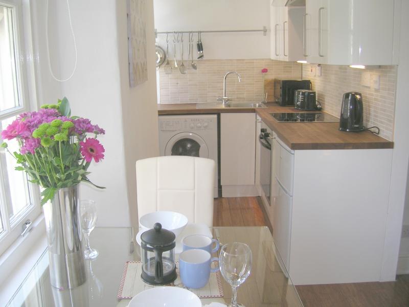 open plan kitchen /living