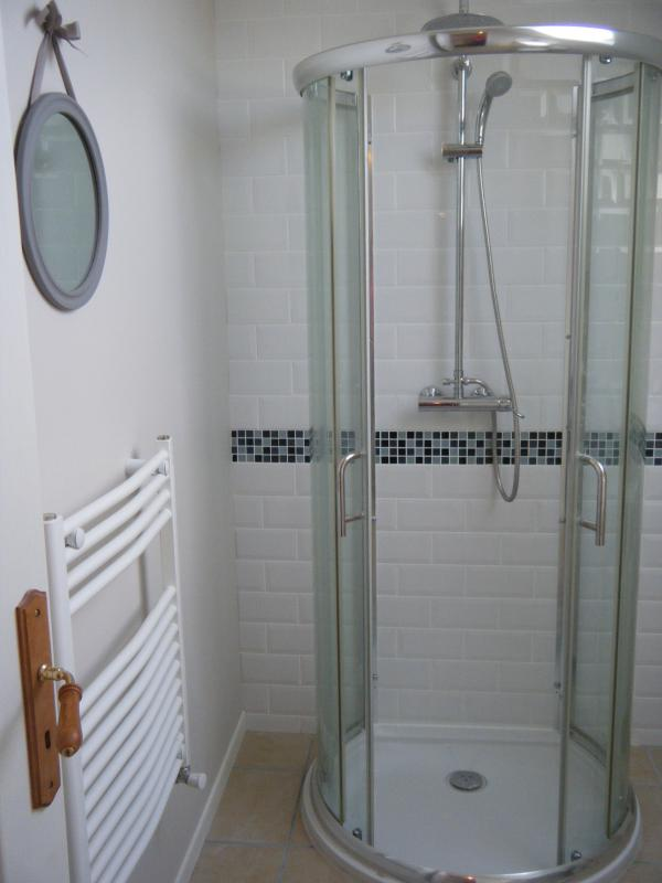 The gite/cottage bathroom
