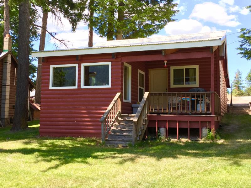 The Cabin at Savage Lake, vacation rental in Libby