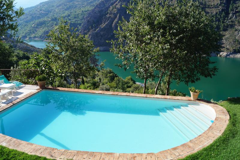 El sueño de un cortijo andaluz, holiday rental in Quentar