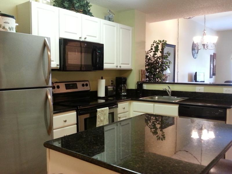 Clean and Comfy  Vacation Condo, holiday rental in Madeira Beach