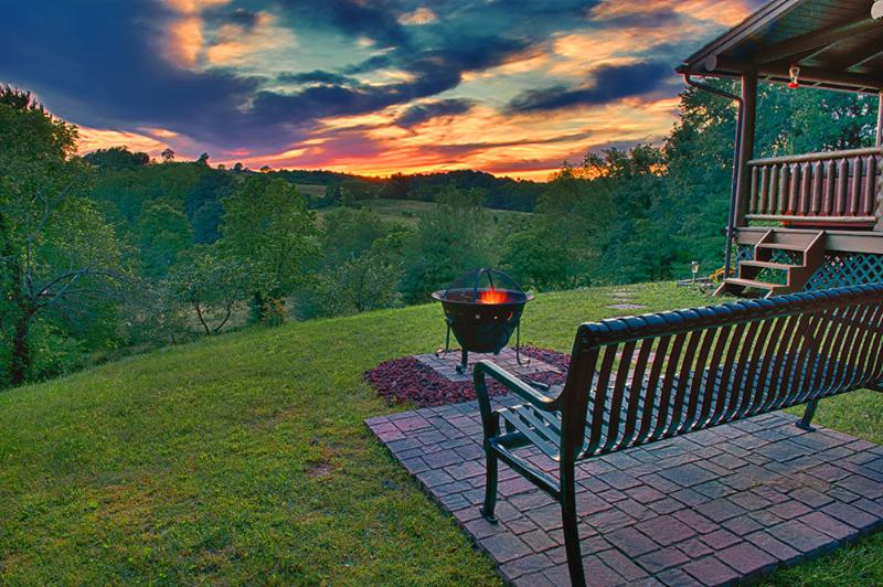 Spectacular sunset view while enjoying a fire!
