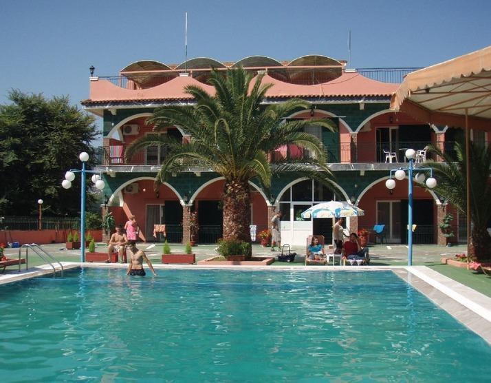 Secluded, quiet self catering studios for 2, alquiler de vacaciones en Agios Ioannis