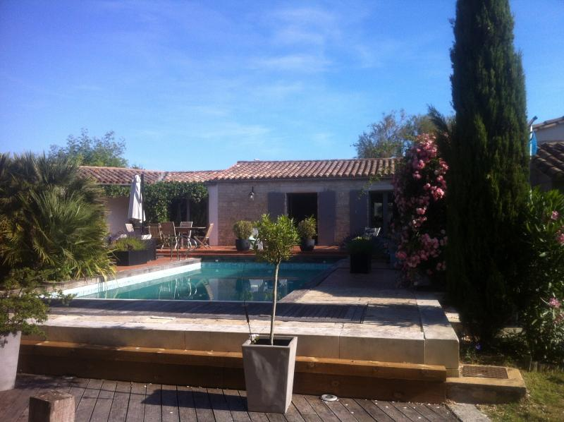 exceptional property settled on 1700 M2,heated pool with electrical cover
