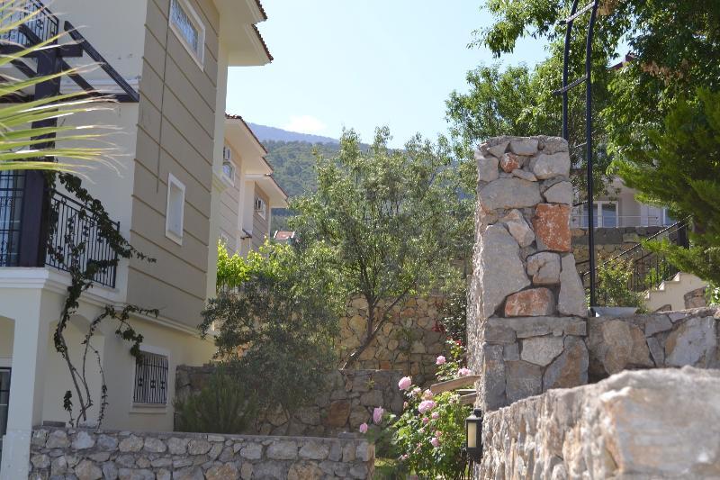 Akaysa Villa private garden