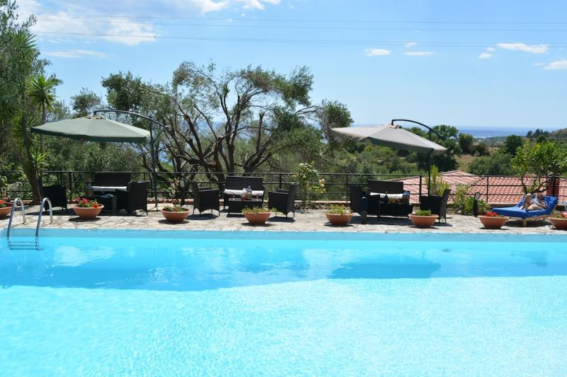 Villa Francy  -Tipo A-, holiday rental in Lentiscosa