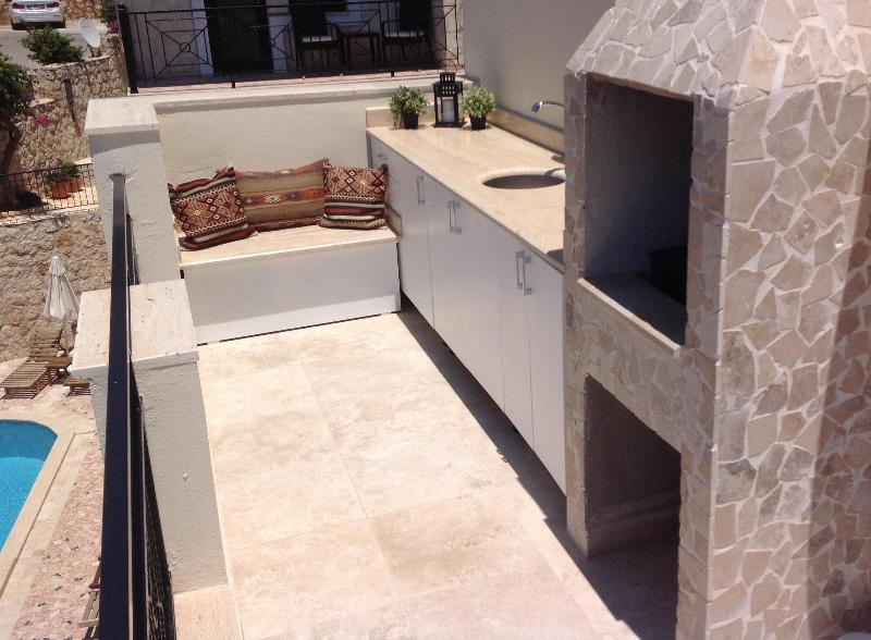 Furnished outdoor cooking space