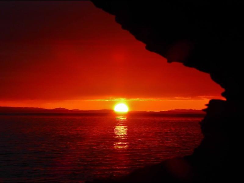 Atardecer en la bahía de Ensenada