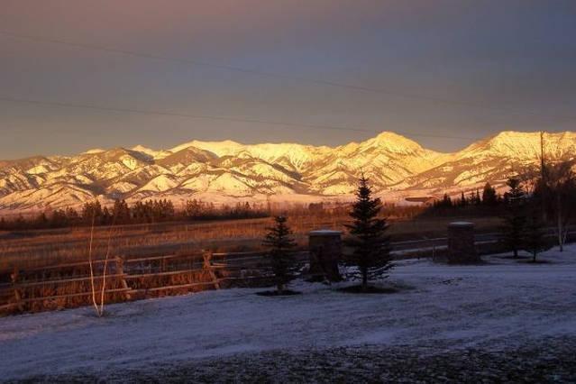 weergave van Bridger Mountains van het huis