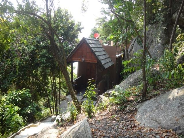 Jungle House adjacent to Beach and Pool, vacation rental in Baan Tai