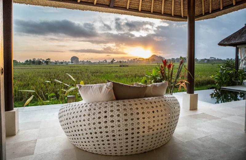 Then relax on the lounge and enjoy a spectacular sunset