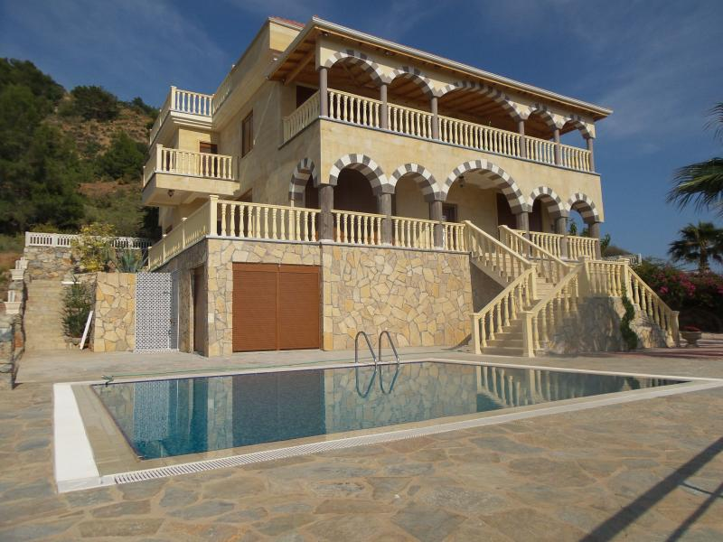 Villa Gazipasa  200 Meter zum Meer, holiday rental in Gazipasa