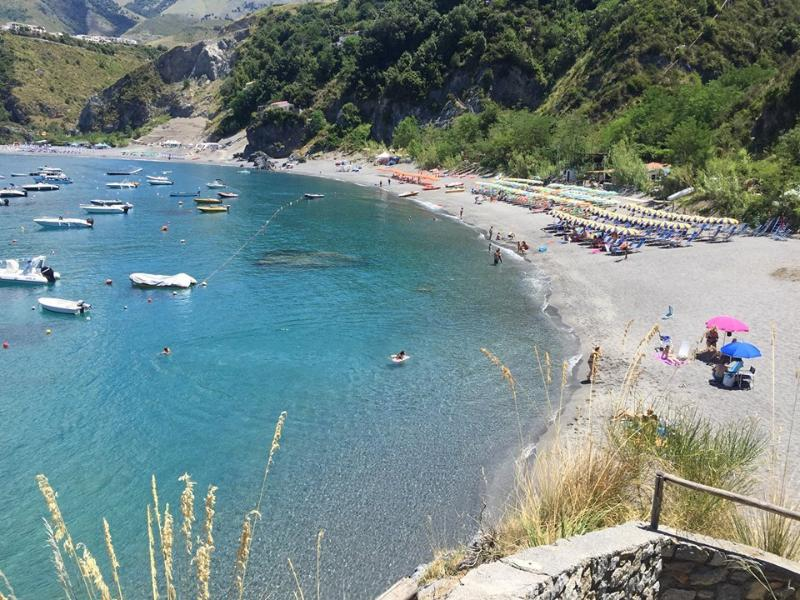 Casa Vacanza con Piscina, Terrazzo e Giardino, vacation rental in San Nicola Arcella