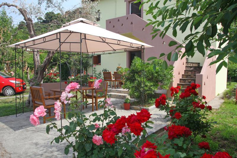 KIMATA WAVES APARTMENT A Panormos 2 bedroom, vakantiewoning in Panormos