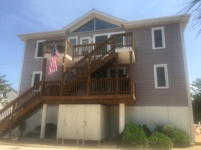 LBI Dup.4br ,1.5 ba Labor Day 8/25-9/4 ONLY! O/S Short path quiet OCEAN beach Big lot. Slps 10.