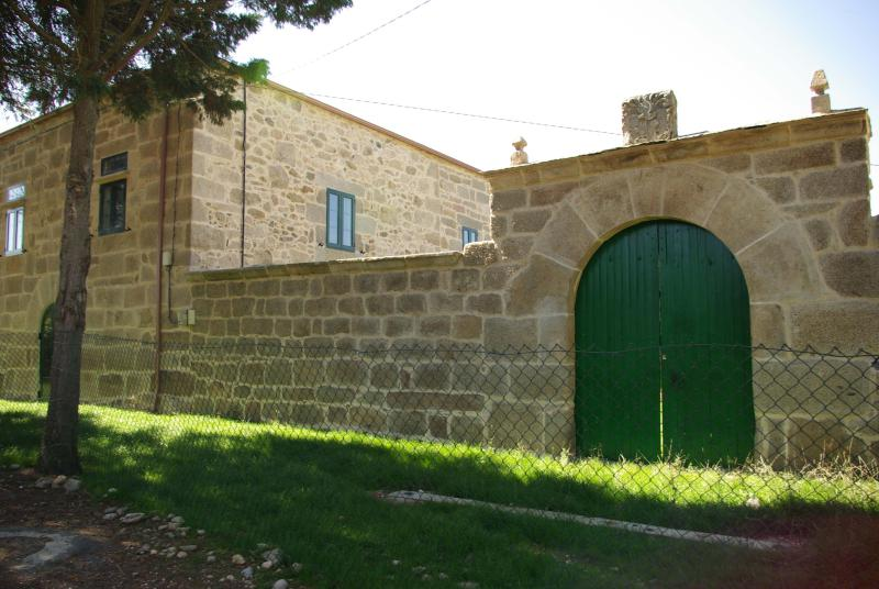 Apartamento Pazo de Neira, vacation rental in Outeiro de Rei