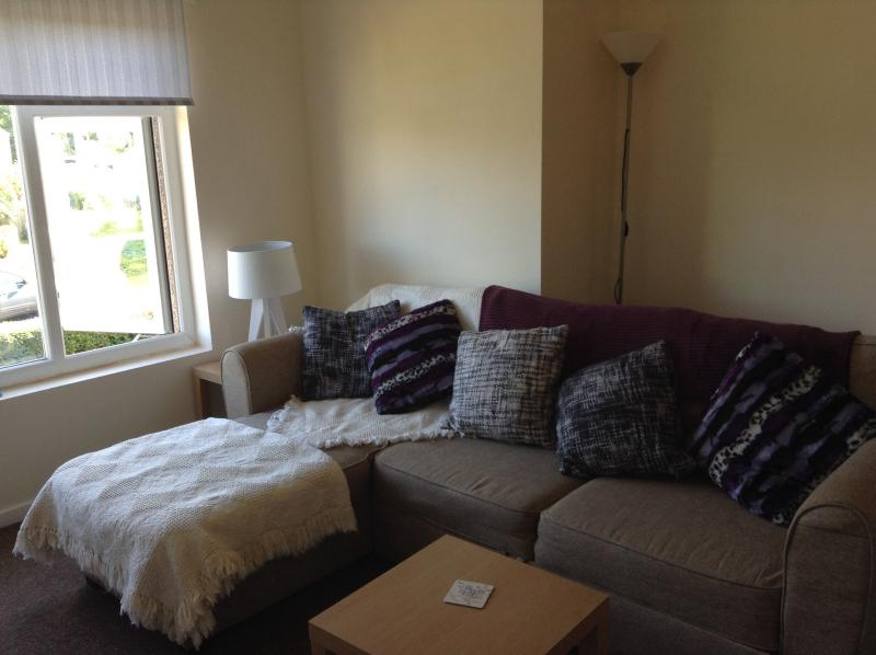 Bright living space, great views, double sofa bed