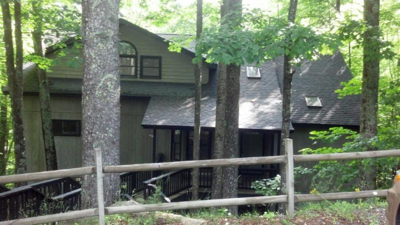 Spacious Mountain Home, Game Room with 4 Bedrooms, holiday rental in Beech Mountain