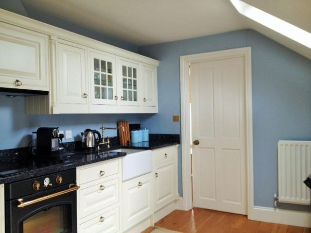 Fully equipped kitchen with microwave, dishwasher and coffee machine