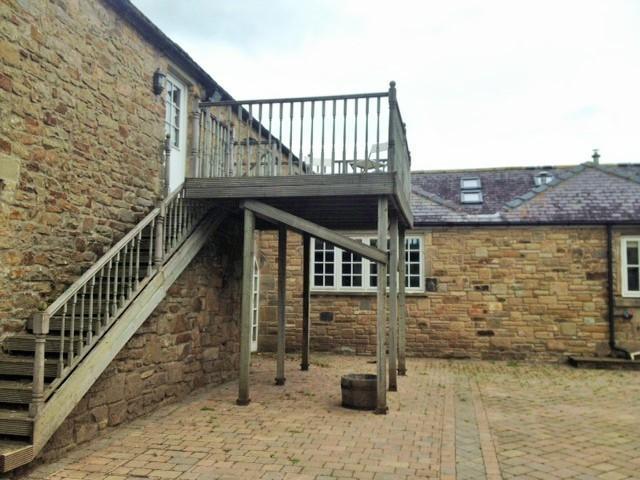 Annex on first floor and has own front door and veranda