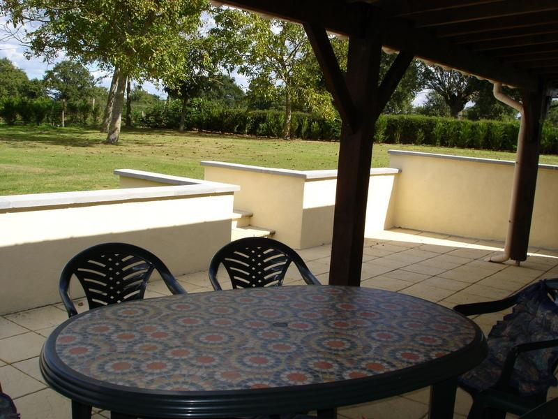BBQ Terrace to the rear of cottage