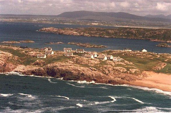Spektakuläre Insel Einstellung der cottages