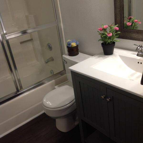 2nd Bath newly remodeled with enclosed tub/shower
