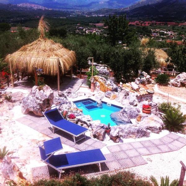 case vacanze 'Le capanne di villa Margherita', holiday rental in Vallecorsa