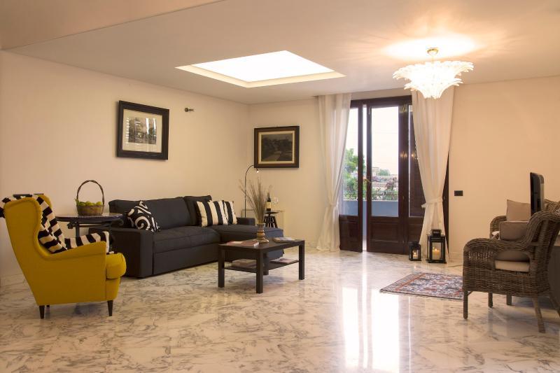 SHALAI COMFORT, holiday rental in Pachino